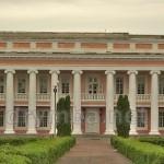 Палац Потоцьких у Тульчині. Колонада