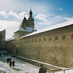 Львів. Мури Бернардинського монастиря