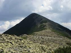 Східні Ґорґани. Гора Довбушанка