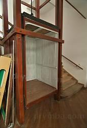 Львівський природознавчий музей. Ліфт - один з перших в Европі