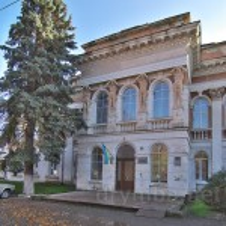 Микулинці. Головний фасад палацу Потоцьких-Реїв