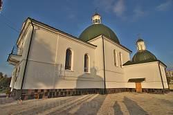 Микулинці. Церква Пресвятої Трійці