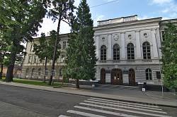 Дрогобицький педагогічний університет (колишня гімназія)