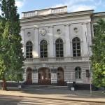 Споруда ґімназії у Дрогобичі