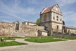 Дзвіниця монастиря бернардинів