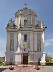 Фасад Успенской церкви в Збараже