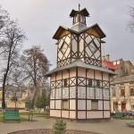 Годинникова вежа-ратуша у Бродах