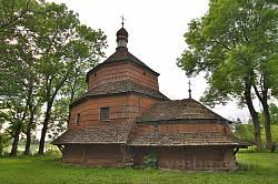Церква св.Параскеви у Буську. Вид з півдня