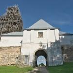 Вїздна брама домініканського монастиря у Підкамені