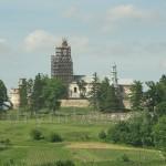 Підкамінь. Вид зі старого цвинтаря на монастир