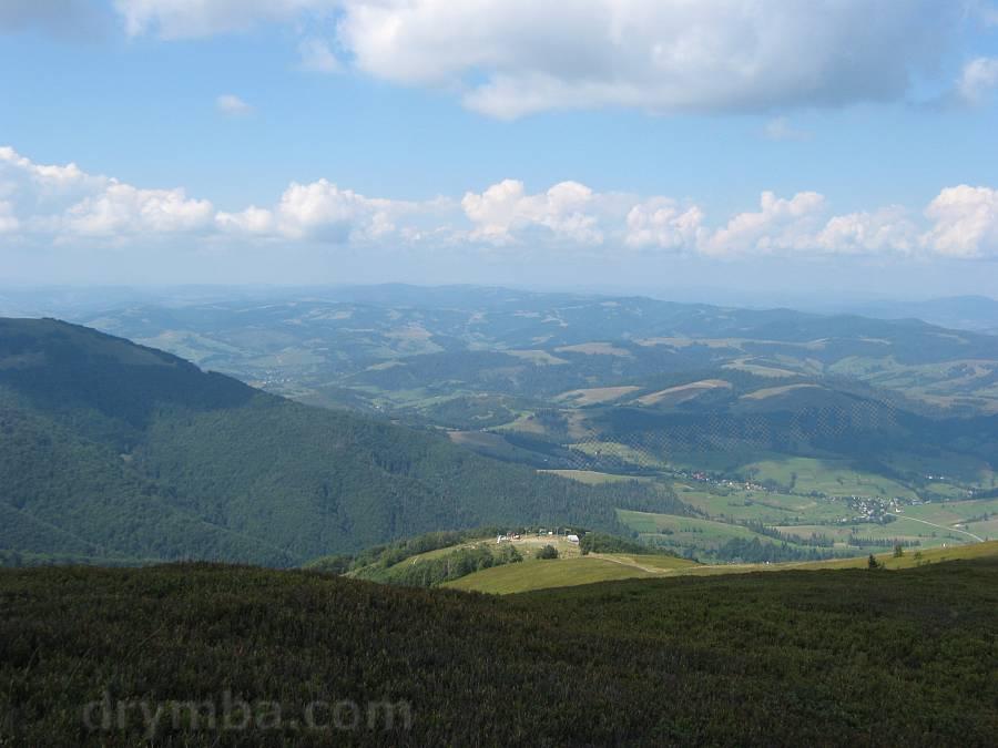 Вид із Гимби на верхню станцію витяга