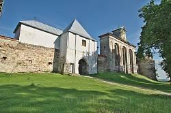 Підкамінь. Західний бік монастиря