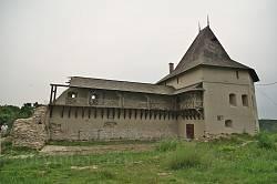 Уцелевшая часть замка в Галиче