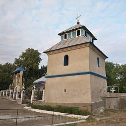 Дзвіниця церкви Покрови у Репужинцях
