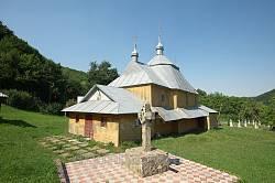 Дерев'яна церква св. Івана Сучавського у селі Виженка