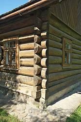 Деталі зрубу старої хати