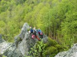 На деякі скелі можна піднятись навіть без спецспорядження
