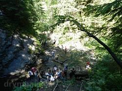 Група біля водоспаду