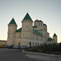 Свято-Троицкий монастырь-крепость (с.Межирич, Ровенская обл.)