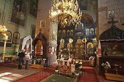 Всередині церкви