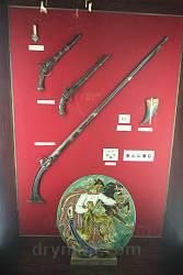 Пістолі та рушниця козацьких часів