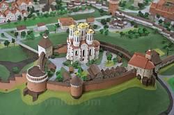 Острозький краєзнавчий музей. Модель замку
