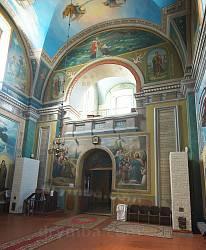 Інтер'єр собору св. Миколая