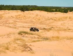 Автомобиль в Херсонской пустыне
