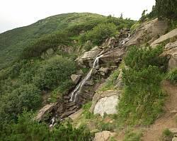 Один з найбільших каскадів водоспаду Гук