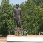 Коропець. Пам'ятник Тарасу Шевченку.