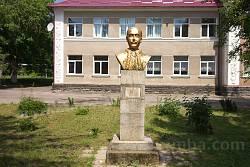 Коропець. Пам'ятник Марку Каганцю
