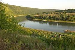 Днестр ниже села Возилов