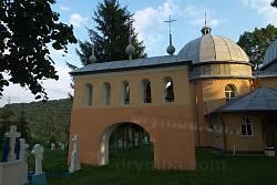 Церква св. Михаїла з дзвіницею