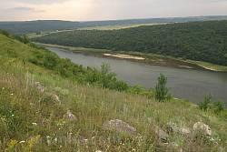 Панорама Дністра від Раковця вгору по течії