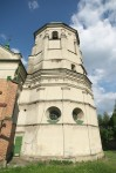 Олесько. Вежа - дзвіниця костелу