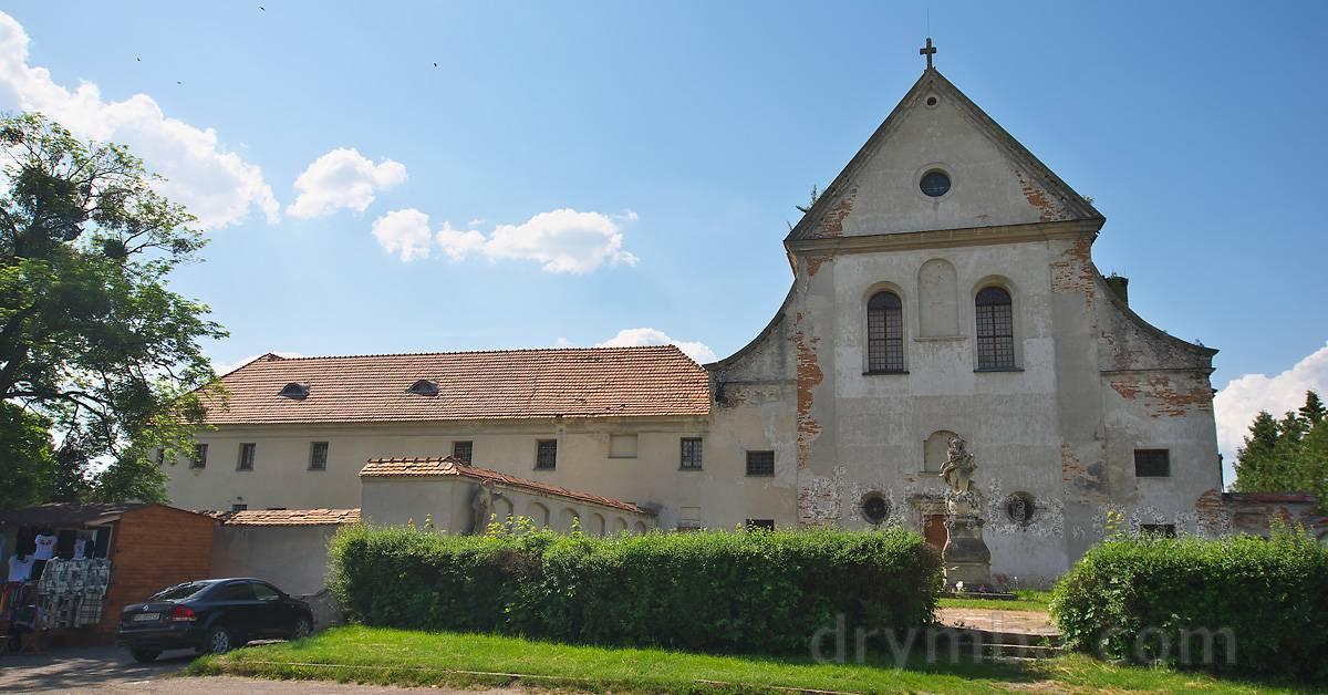 Олеско. Монастырь и костел капуцинов
