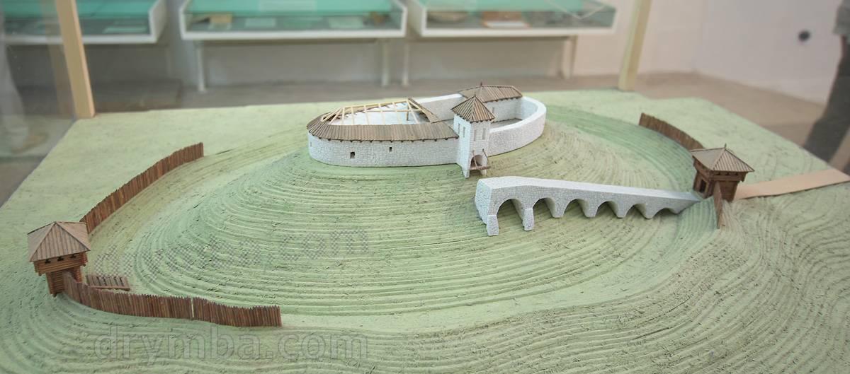 Макет первоначального Олеского замка