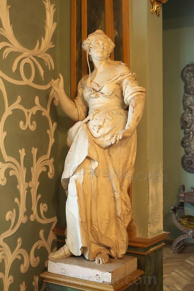 Деревянная скульптура авторства Леблана