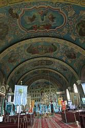 Церква Покрови Пресвятої Богородиці у Ясіні. Інтер'єр