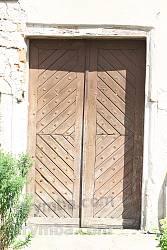 Старі двері костелу