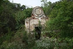 Криниця поблизу моста через Дністер з каптажним павільйончиком