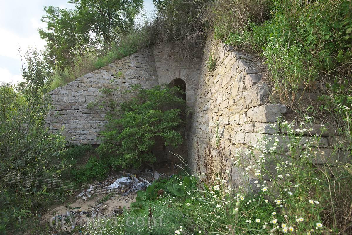 Мурований водопропускний канал