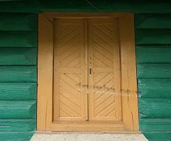 Двері храму