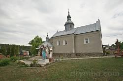 Старовинна церква у селі Пищатинці
