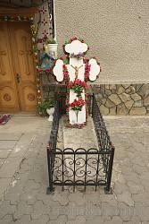 Могила одного із настоятелів храму
