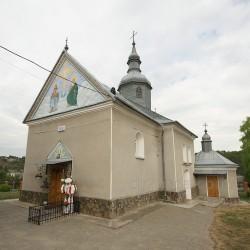 Церковь св. Архистратига Михаила (с.Пищатинцы, Тернопольская обл.)