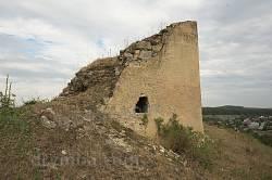 Руины западной башни