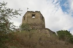Высечка. Южная башня на краю обрыва