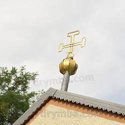 Хрест над бабинцем