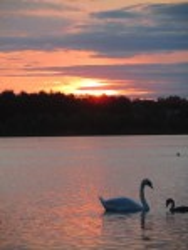 Закат на озере Луки